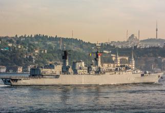 Fregata Regina Maria tranzitând Bosforul, sursă foto: Shipspotting Istanbul Strait