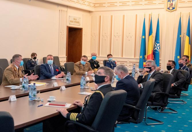 Vizita în România a secretarului Forțelor Navale ale Statelor Unite ale Americii