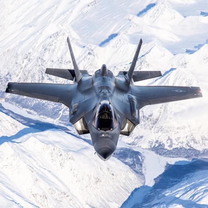 Sursă foto: F-35 Lightning II