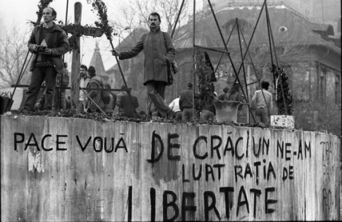 2. -imagine fara descriere- (revolutie-1989-decembrie-revolutia-romana_26417800.jpg)