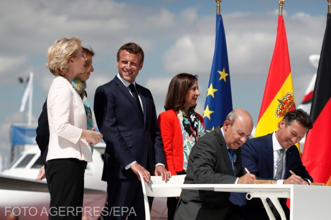 Ursula von der Leyen, președintele Comisiei Europene și Emmanuel Macron, președintele Franței