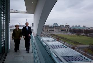 Întrevederea din 2013, dintre Joe Biden, pe atunci vicepreședintele SUA, și Angela Merkel, sursă foto: Obama White House
