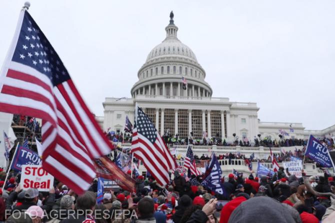 Foto: Capitoliul SUA, ocupat de susținătorii lui Trump, pe data de 6 ianuarie 2021