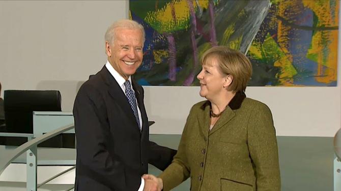 Întrevederea din 2013, dintre Joe Biden, pe atunci vicepreședintele SUA, și Angela Merkel, sursă foto: Captură YouTube  Ihr Programm – Bleiben Sie zu Hause!