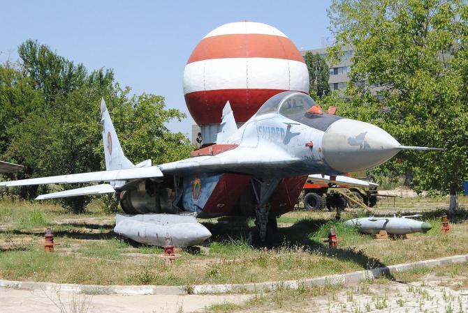 2. MiG-29 Sni... (mig-29-sniper_86642100.jpg)