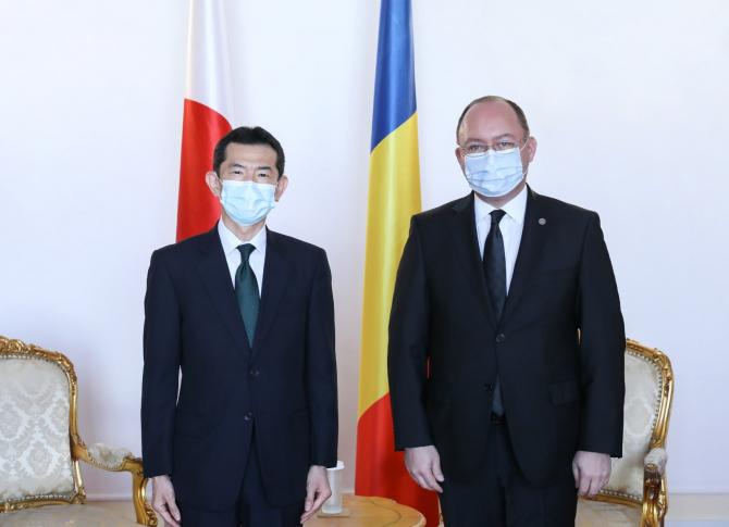 Ministrul afacerilor externe Bogdan Aurescu l-a primit joi, 14 ianuarie 2021, la sediul MAE, pe Hiroshi Ueda, noul ambasador al Japoniei la București. Sursa Foto: MAE Facebook