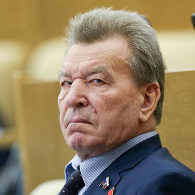 2. Nikolai An... (nikolai-antoshkin_55546300.jpg)