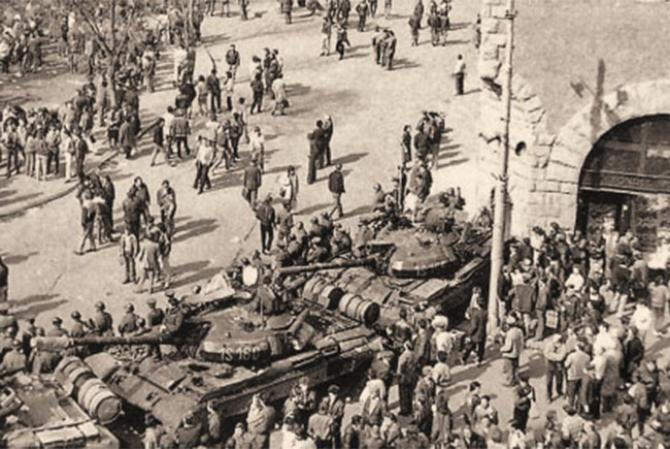 Conflictul interetnic din martie 1990, Tg-Mureș. Sursă foto: Cuvântul Liber Tg-Mureș