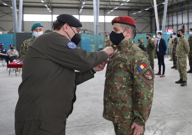 4. Sursă foto... (militar-roman-bosnia-medaliat_93963600.jpg)