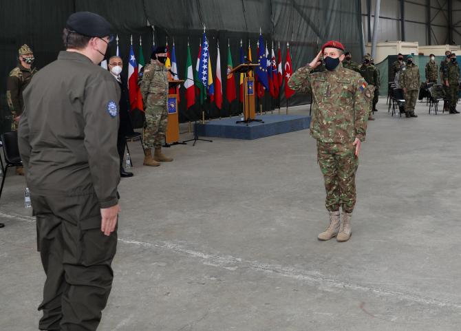 6. Sursă foto... (militar-romani-medaliati-bosnia-medalie_79243100.jpg)