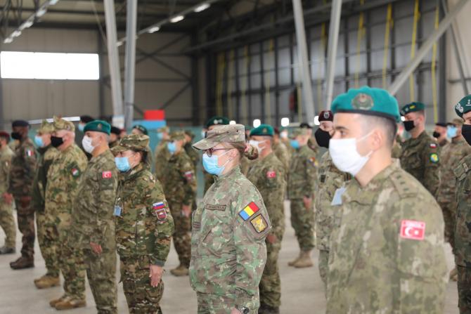 3. Sursă foto... (militari-romani-armata-bosnia_83439700.jpg)