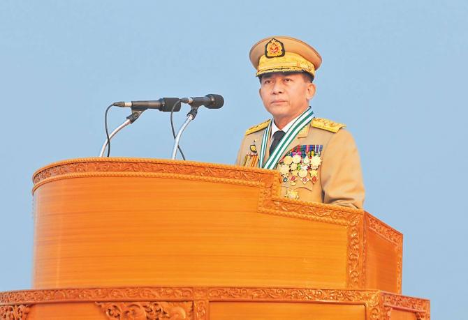 2. Generalul ... (min-aung-hlaing_35517700.jpg)