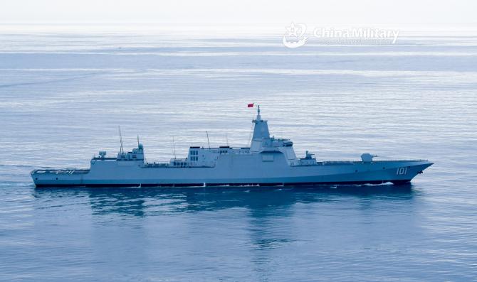 Distrugător al Chinei din clasa Renhai (Type 055). Sursă foto: Ministerul Apărării de la Beijing