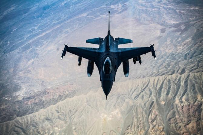 Un F-16 al SUA, deasupra Afganistanului în 2018. Sursă foto: US Air Force via Stars and Stripes