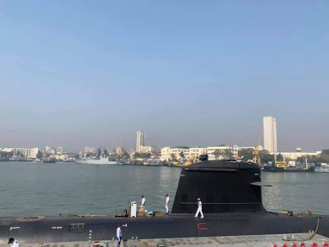 Submarin INS Karanj  Sursa foto: Twitter.jpg