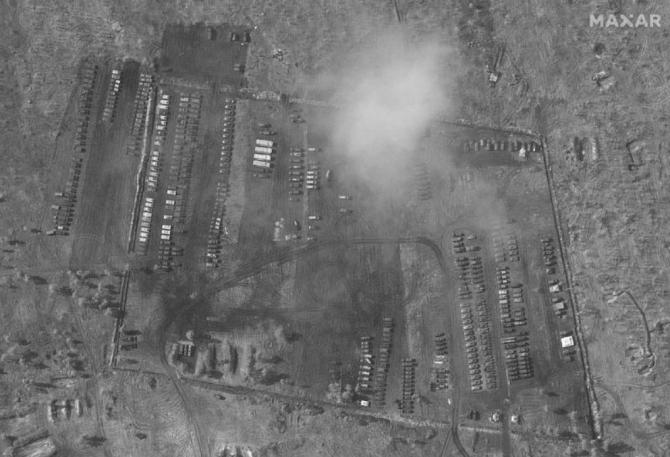 2. -imagine fara descriere- (baza-militara-rusia_50616900.jpeg)