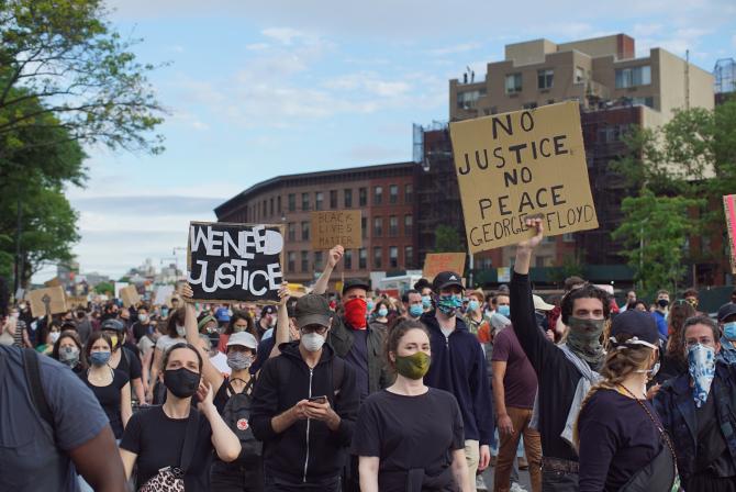 Mișcarea Black Lives Matter. Sursă foto: Nour Chamoun, scop.io via DC News