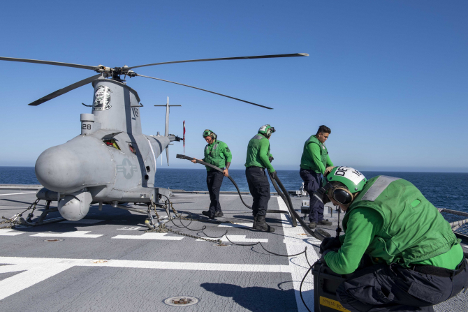 Drona MQ-8B Fire Scout Sursa foto: Twitter/USS Charleston