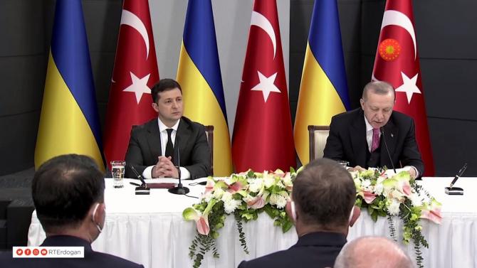 2. -imagine fara descriere- (erdogan-zelenski_20712400.jpg)