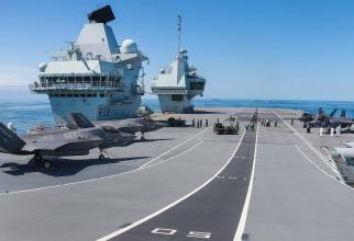Avioane britanice F-35B aflate pe portavionul HMS Queen Elizabeth. Sursă foto: Royal Navy