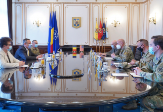 Ministrul Nicolae Ciucă s-a întâlnit cu generalul-maior David H. Tabor, comandantul Comandamentului Forțelor pentru Operații Speciale ale SUA în Europa  Sursa foto: Laurențiu Turoi/MApN