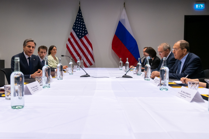 Secretarul de stat american Antony Blinken şi ministrul rus de externe Serghei Lavrov. Sursa Foto: Tiwtter Antony Blinken