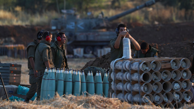 Militari ai armatei israeliene desfăşuraţi de-a lungul frontierei cu Gaza