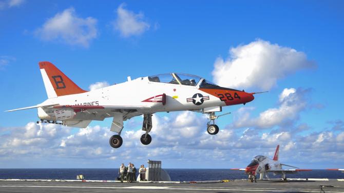 Avion T-45 Goshawk Sursa foto: US Navy