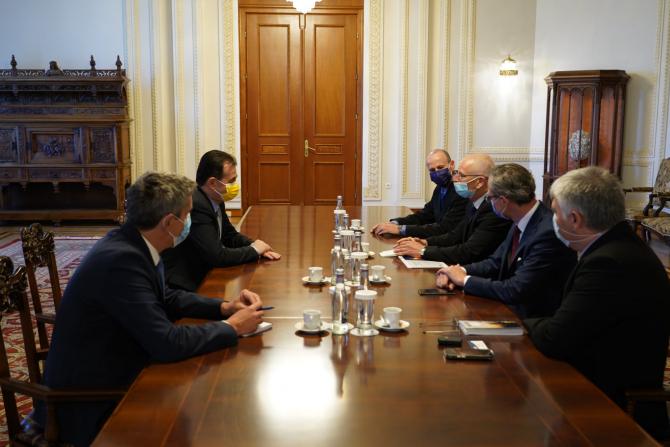 Întâlnire între Ludovic Orban și reprezentanții Israel Aerospace Industries Sursa foto: Ludovic Orban/Facebook