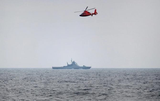 2. -imagine fara descriere- (pavel-derzhavin-elicopter-marea-neagra_79696900.jpg)