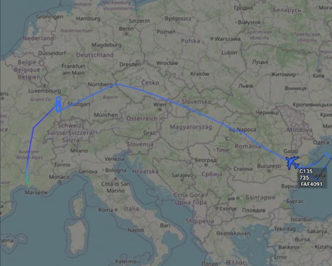 2. -imagine fara descriere- (ruta-avion-francez-c-135_63329200.jpeg)