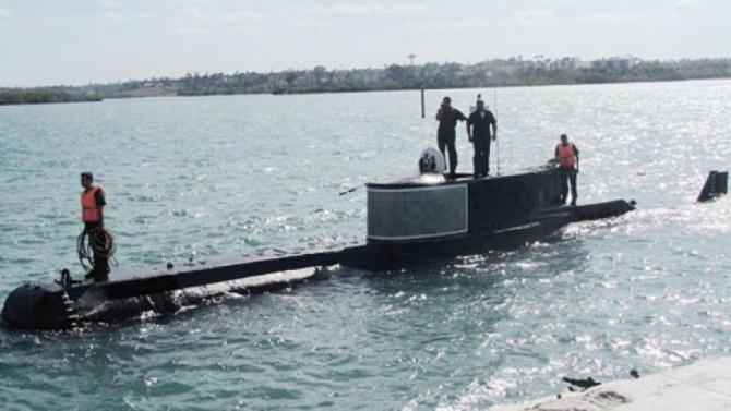 1. -imagine fara descriere- (submarin-delfin-marina-de-guerra-revolucionaria_57124200.jpeg)