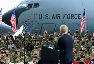 Preşedintele Joe Biden, vizita oficiala in Marea Britanie - baza aeriană britanică Mildenhall. Sursa Foto: White House