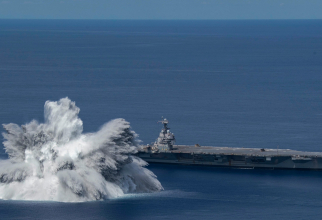 """Testarea portavionului USS Gerald R. Ford prin detonarea explozibilului subacvatic ce a produs un """"cutremur"""" de 3.9 pe Richter. Sursă foto: US Navy"""