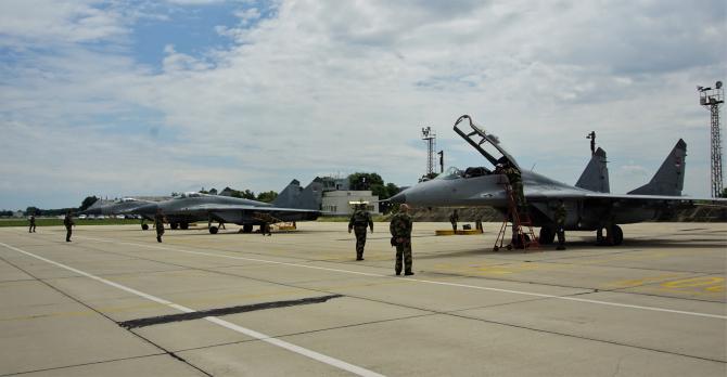 Trei avioane de vânătoare MiG-29 din Brigada 204 Aviație a Forțelor Aeriene sârbe au aterizat pe 4 iunie pe aerodromul Graf Ignatievo de lângă Plovdiv, Bulgaria.