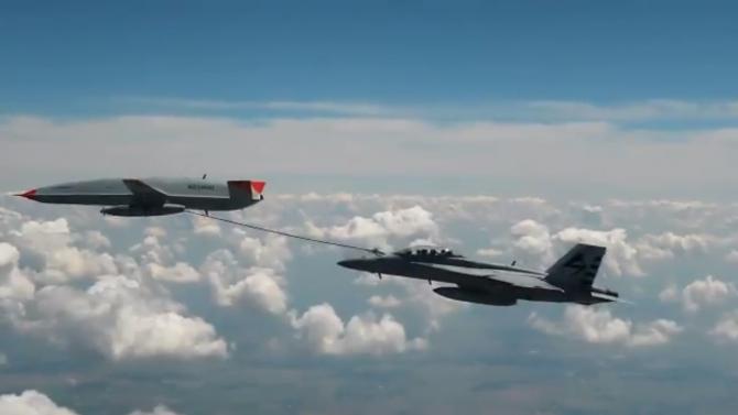 Drona MQ-25 si F-18 Hornet Sursa foto: Boeing