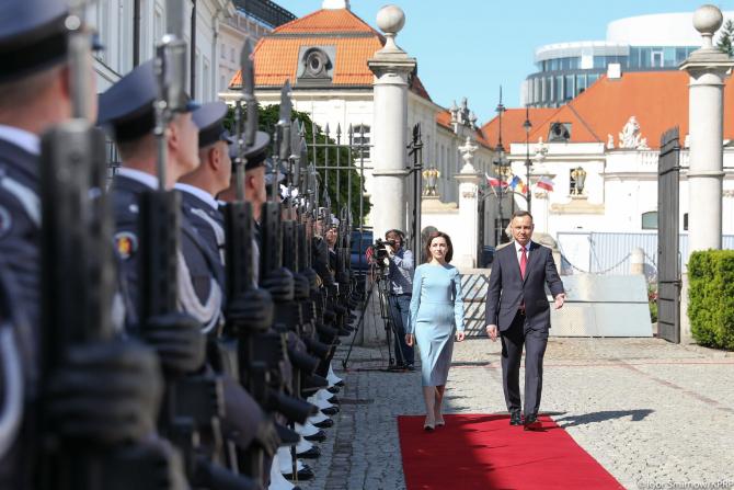 Maia Sandu, președintele Republicii Moldova, aflată în vizită în Polonia, și președintele polonez Andrzej Duda. Sursă foto: Maia Sandu Facebook