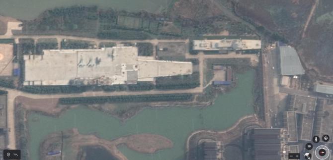 2. -imagine fara descriere- (portavion-din-beton-wuhan-china_49061700.jpg)