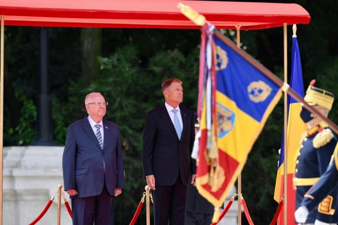 Preşedintelui Statului Israel, Reuven Rivlin, a fost primit, marţi, la Palatul Cotroceni, de către preşedintele Klaus Iohannis. Sursa Foto: Ambasada Israelului în România.