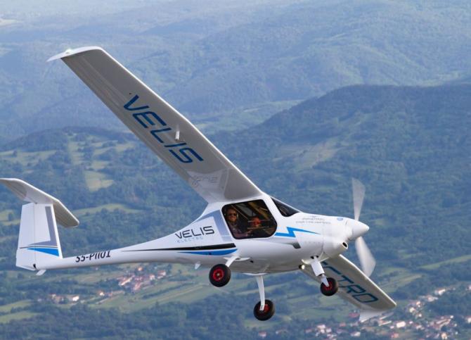 Avion Velis Electro. Sursa Foto: Pipistrel