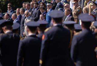 Premierul Florin Cîțu, alături de președintele României Klaus Iohannis, secretarul general adjunct al NATO Mircea Geoană, și de alți înalți diplomați români. Sursă foto: Florin Cîțu Facebook