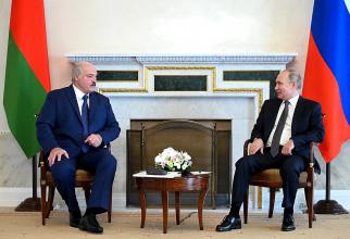 Aleksandr Lukașenko, președintele Belarusului, aflat în vizită la Moscova, în timpul întrevederii cu președintele rus Vladimir Putin. Sursă foto: Kremlin