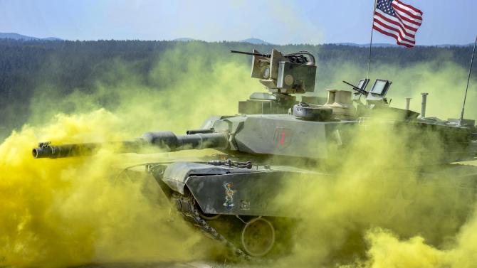 2. M1 Abrams,... (m1-abrams_24183700.jpg)