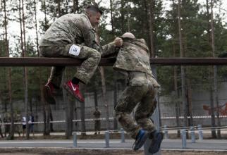 Concurenți americani la pista cu obstacole CISM - Tallinn, Estonia, 2019 | Foto: Sgt. Apolonia Gaspar via AORR