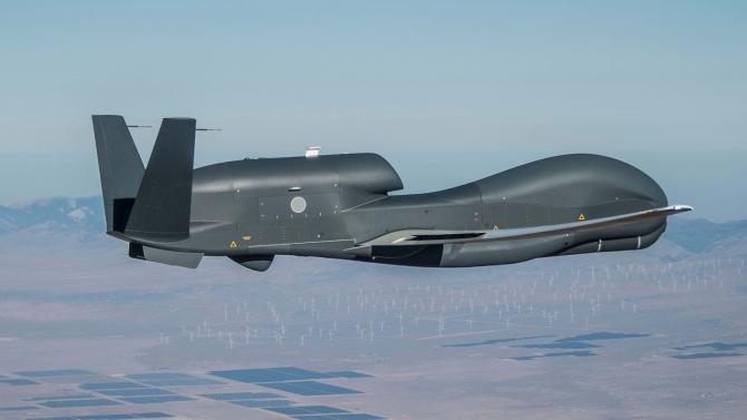 O dronă RQ-4B Global Hawk a Japoniei. Sursă foto: Northrop Grumman via The Drive