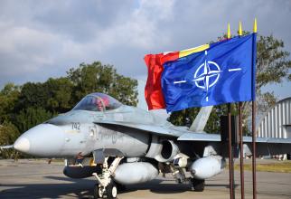 Un avion CF-188 Hornet canadian, în misiune de poliție aeriană în România în 2018. Sursă foto: MApN