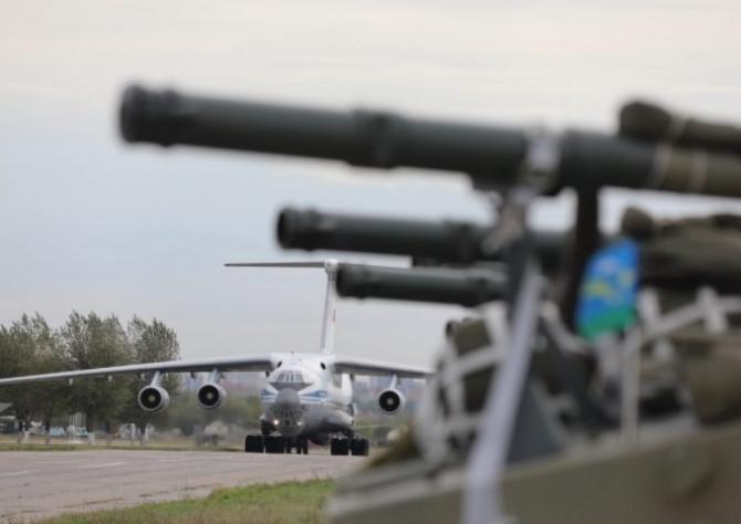 2. Imagini de... (rusia-desant-aerian-tancuri_90487700.jpg)