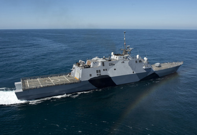 USS Freedom, prima navă din clasa care îi poartă numele din cadrul programului Littoral Combat Ships. Sursă foto: U.S. Navy